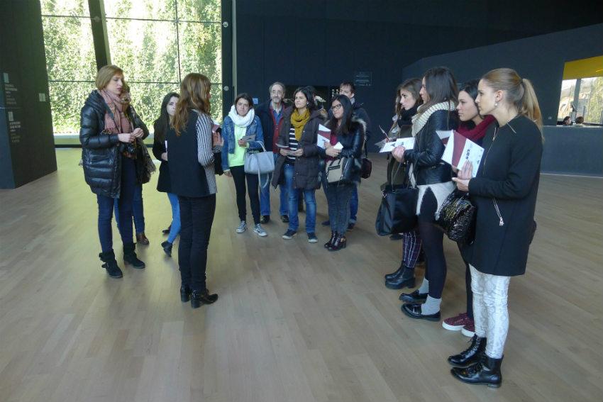 Fuera de aula dise o de interiores y de moda visitan el for Estudiar diseno de interiores online gratis