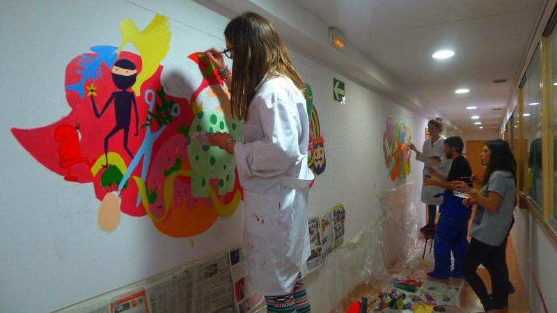 La clase de 1 de dise o gr fico crea seis murales para for Estudiar diseno de interiores online gratis