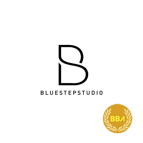 La opción minimalista del diseño para Bluestepstudio ha sido la ganadora en Asia