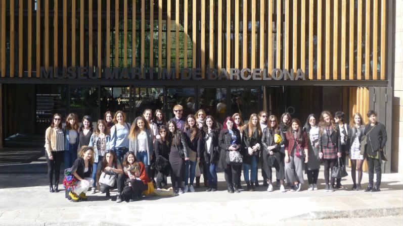 Fuera de aula estudiantes de creanavarra descubren for Escuelas de moda en barcelona