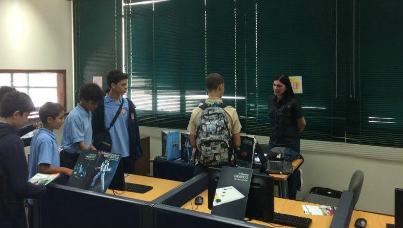 Creanavarra presente en la feria de estudios del colegio for Estudiar diseno de interiores online gratis