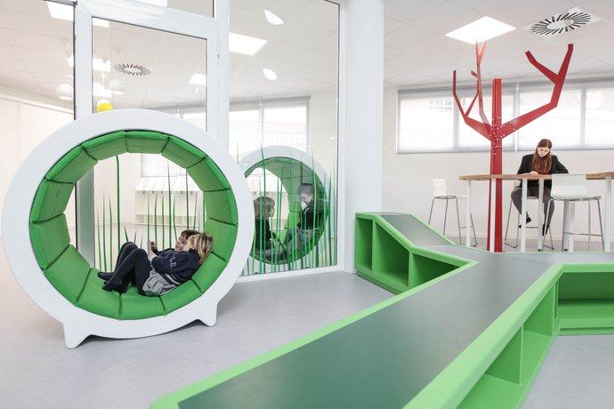 Las aulas innovadoras de la dise adora rosan bosch for Estudiar diseno de interiores online gratis
