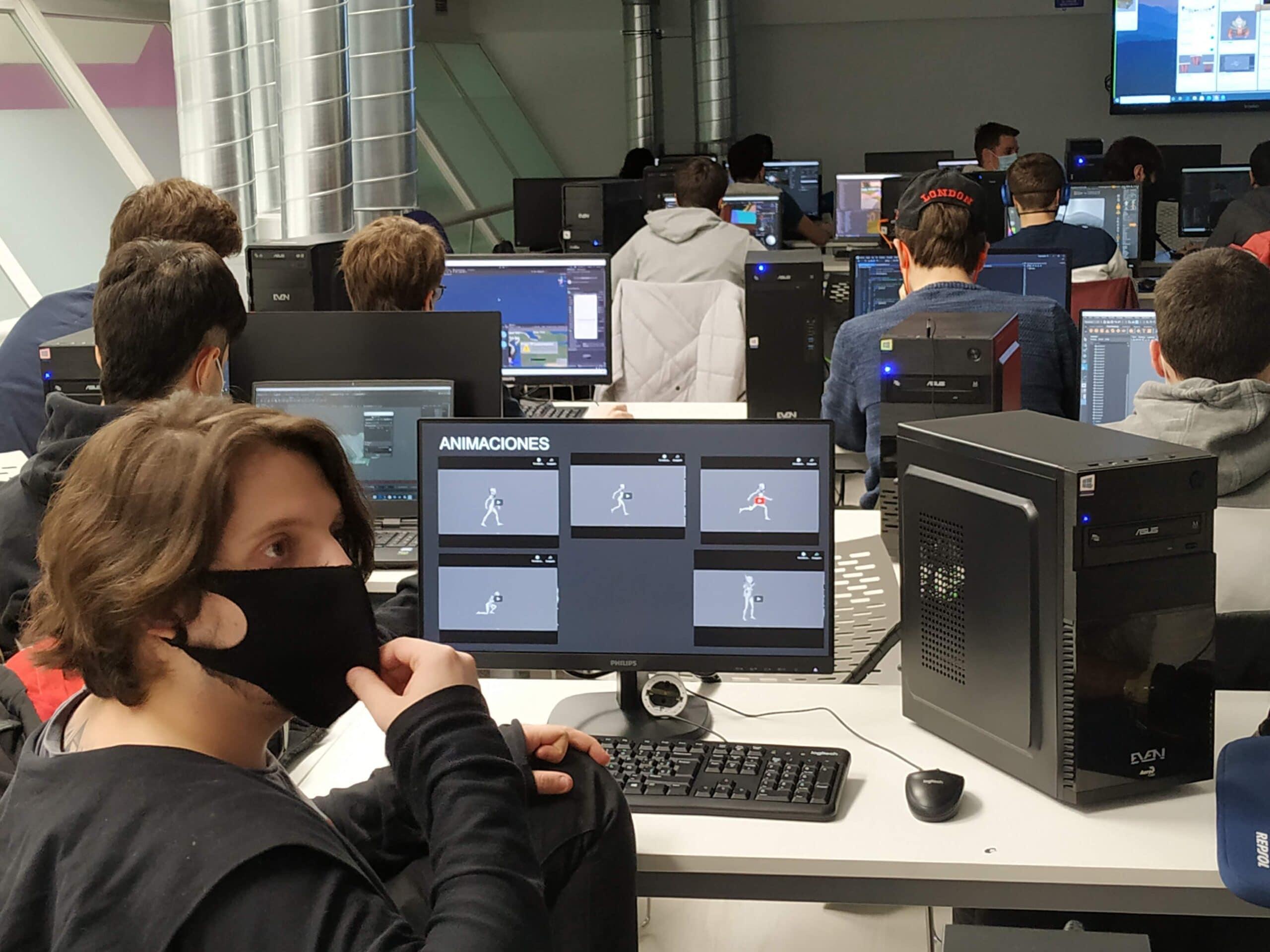 el alumnado de diseño de videojuegos se encuentra inmerso en sus proyectos finales