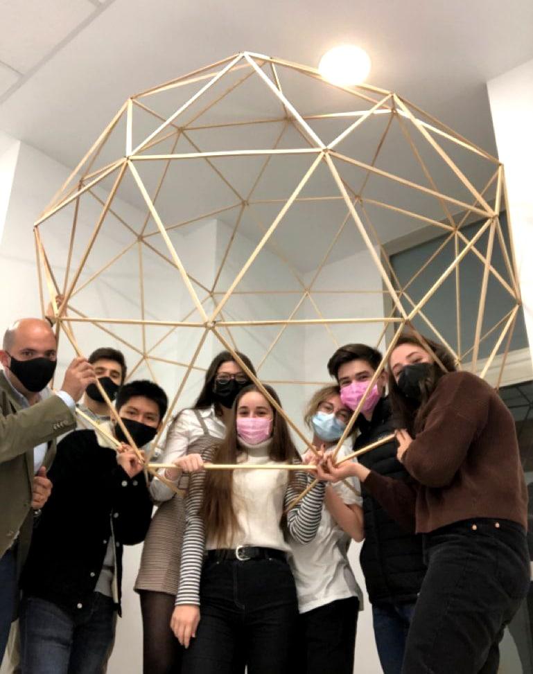 Arquitectura efímera en las Bodegas de Otazu por el alumnado de Diseño de Interiores