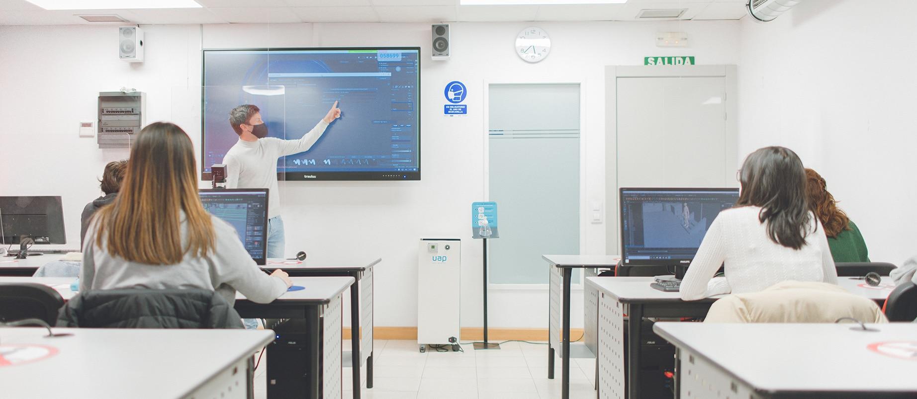 Actividades de orientación y talleres para centros e instituciones